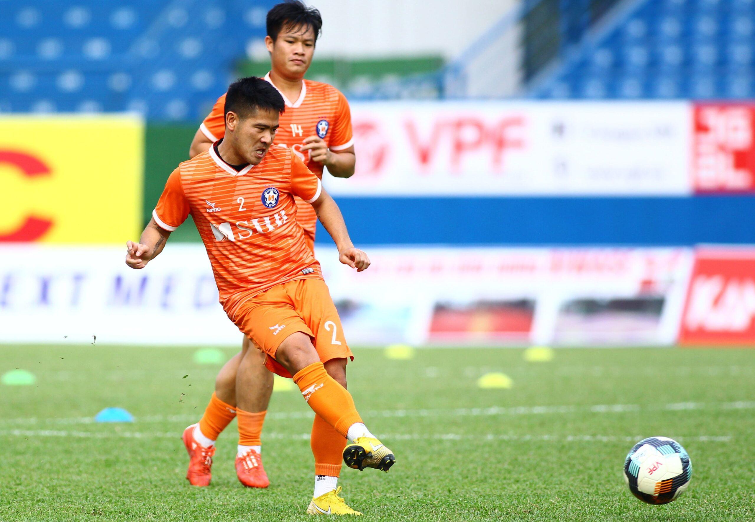 Âu Văn Hoàn đã bất ngờ trở lại với bóng đá đỉnh cao khi quyết định về đầu quân cho CLB Hải Phòng