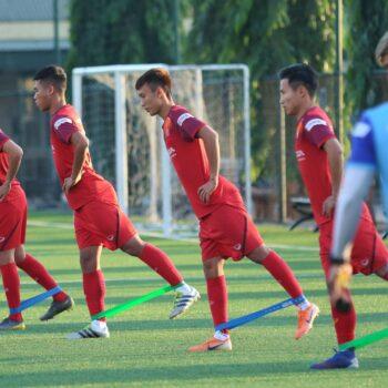 Rèn luyện sự dẻo dai tỏng bóng đá