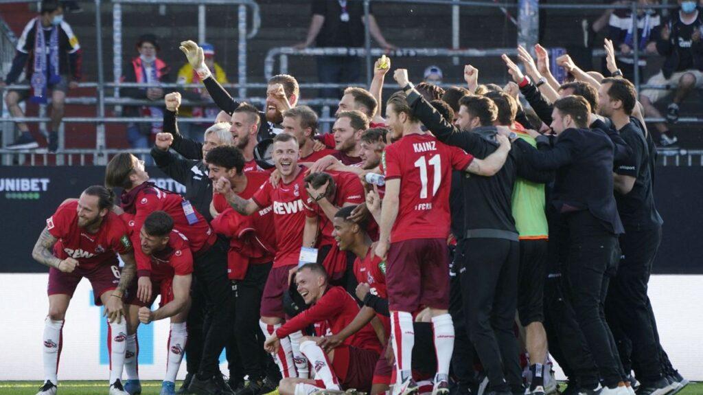 Cologne trụ hạng thành công