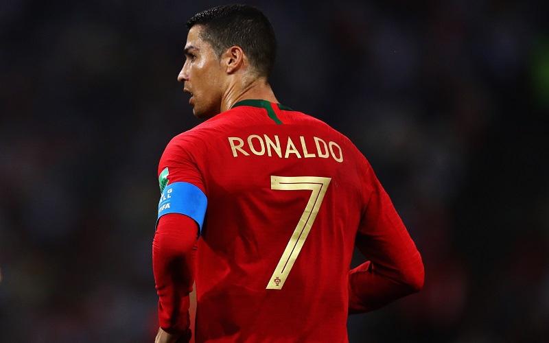 Cristiano Ronaldo: con đường bảo vệ chức vô địch EURO của 'lão già' 36 tuổi