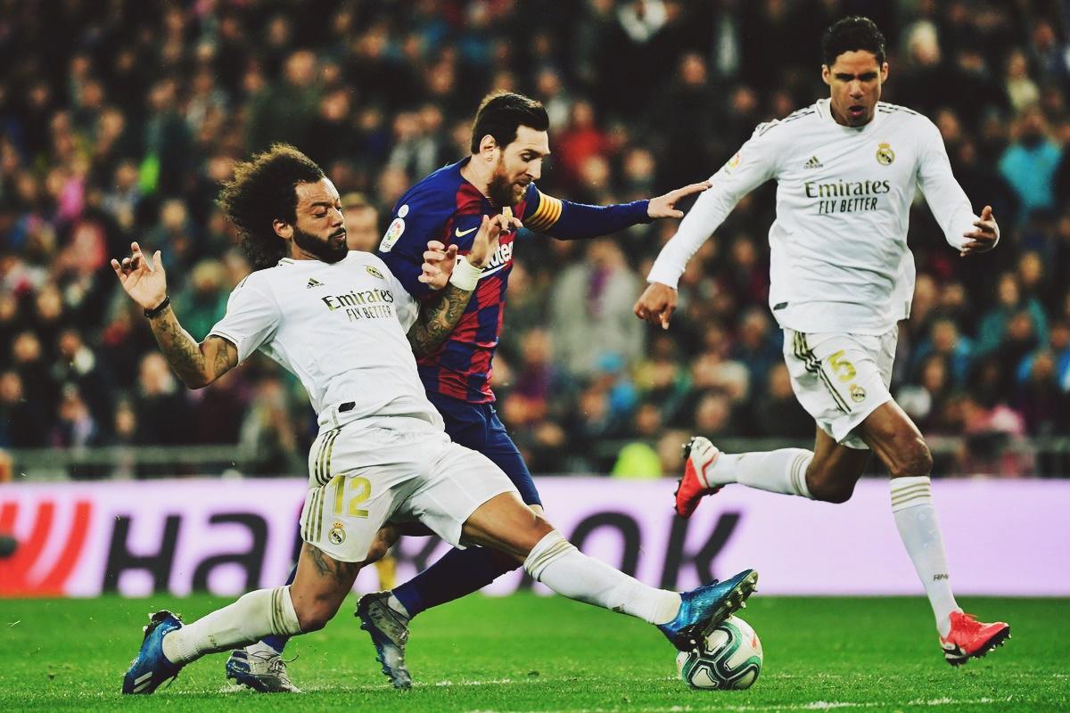 điểm yếu hàng thủ Barca