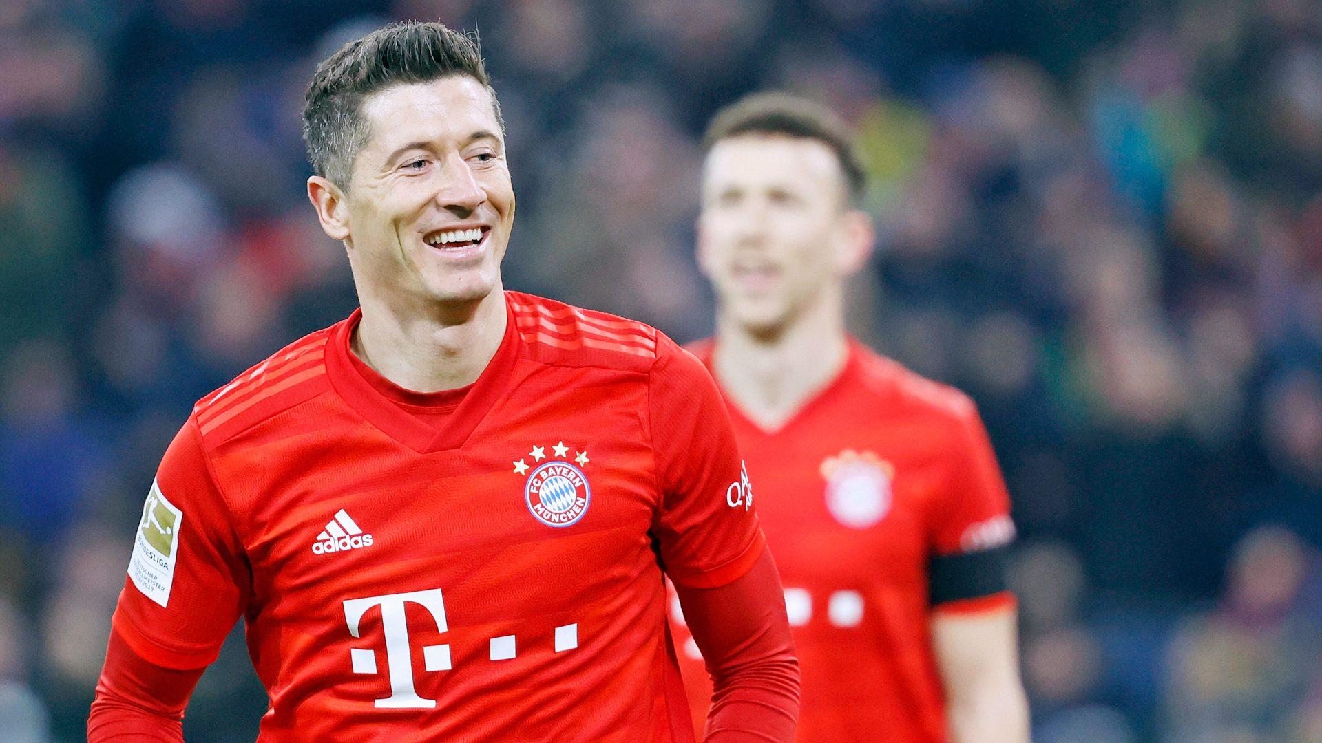 Lewandowski phá kỉ lục của Gerd Muller