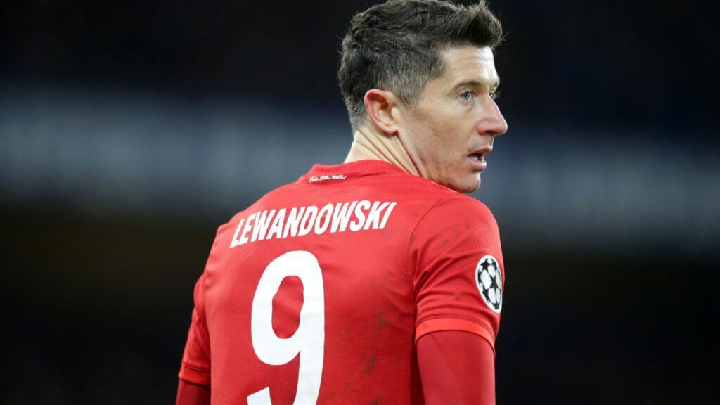 Robert Lewandowski phá kỷ lục ghi bàn của Bundesliga